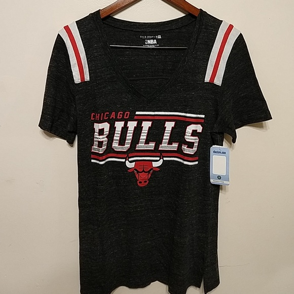 NBA CHICAGO BULLS WOMEN S GRAPHIC TEE SIZE L 13bf613268